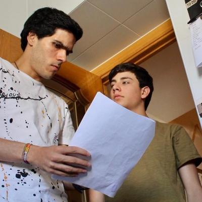Fabrizio Santana y Diego Rey grabando Lo triste que hay en sus ojos